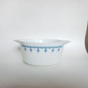 Pyrex snowflake garland milk glass